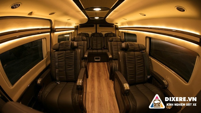 Autokingdom Limousine